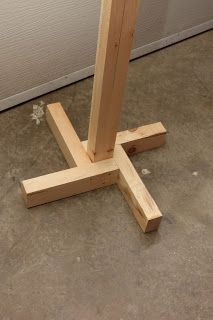 Woodified: Directional Signage and Posts - http://www.diyprojectidea.net/woodified-directional-signage-and-posts
