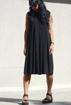 Черна рокля без ръкав Kotyto | Онлайн маркови дамски дрехи, мъжки дрехи и дамски обувки. Online магазин за маркови рокли, блузи, ризи.