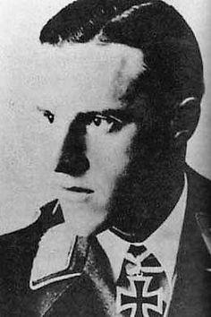 "Leutnant d.R. Helmut Ringler (1915-1962), s.MG.-Halbzugführer in Fallschirmjäger Sturmgruppe ""Stahl"" in der Fallschirmjäger Sturmabteilung ""Koch"", Ritterkreuz 15.05.1940"