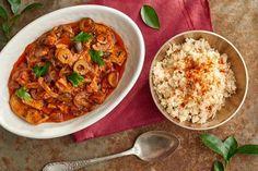 Szukasz przepisu na pyszną wieprzowinę? Wypróbuj przepis Okrasy na wieprzowinę saute w sosie pomidorowym z chorizo i oliwkami! Zapraszamy do Kuchni Lidla!