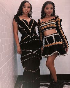 Chloe x Halle Bailey performed on Jimmy Kimmel live draped in Raisa Vanessa embellished frocks. The two young sisters are quickly becoming fashion trendsetters under the watchful eye of their mentor Beyonce new music coming in 2018 Black Girl Magic, Black Girls, Twists, Beyonce, Rihanna, Chloe Halle, Looks Instagram, Beautiful Black Girl, Dreadlocks