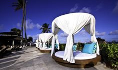 Nassau Bahamas - British Colonial Hilton Opium Beds