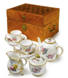 A SEVRES CASED TEA SERVICE 1767 - Sotheby's