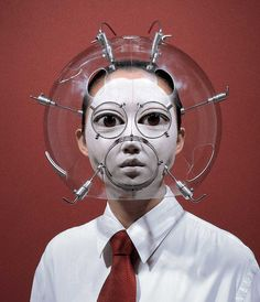 Since 1999 Korean artist Hyungkoo Lee has been creating bizarre optical helmets that optically distort the wearer's face through the use of lenses. Korean Artist, Body Modifications, Grafik Design, Headgear, Oeuvre D'art, Anthropology, Illusions, Creepy, Contemporary Art