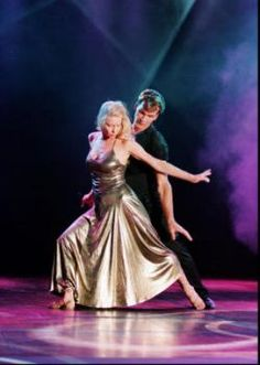 Patrick Swayze and wife Lisa Niemi in a sensational dance performance at the World Music Awards in Photo: Handout Photo Modern Dance, Patrick Swayze Wife, Tango, Patrick Swazey, Lisa Niemi, Patrick Wayne, Famous Stars, Star Pictures, Famous Couples