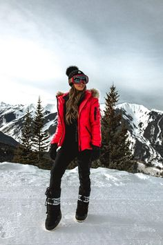 Here's a rundown of everything I wore in Aspen on and off the slopes. This list will give you an idea of what to pack for the perfect winter ski trip! Ski Fashion, Winter Fashion Outfits, Fall Winter Outfits, Autumn Winter Fashion, Snow Outfits For Women, Clothes For Women, Ski Clothes, Apres Ski Outfits, Women's Skiing Outfits