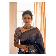 South Indian Bride Saree, Kerala Bride, Indian Bridesmaid Dresses, Wedding Dresses For Girls, Saree Blouse Patterns, Saree Blouse Designs, Kerala Saree, Ethnic Sarees, Blue Silk Saree