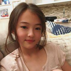 Friday night with Mama Asian Cute, Cute Asian Girls, Beautiful Asian Girls, Cute Young Girl, Cute Little Girls, Cute Kids, Pretty Girls, Little Girl Models, Little Kid Fashion