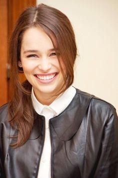 emilia clarke smile | Tumblr