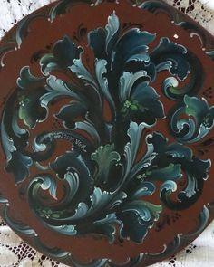 Beautiful Gudbrandsdal rosemaling by Pam Rucinski!