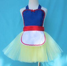 Childrens apron for girls Snow White tutu apron Princess childrens full apron birthday kids apron  gift. $26.00, via Etsy.