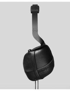 Molami Pleat (Black on Black)