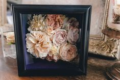 Shadow box of dried wedding flowers. Freeze Dried Flowers, Brides Cake, Wedding Topper, Wedding Keepsakes, How To Preserve Flowers, Bride Bouquets, Flower Boxes, Preserves, Flower Designs