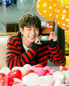 Robotun doğum gününü kutlayana adam fkdnfjdn Yoo Seung Ho, So Ji Sub, Asian Actors, Korean Actors, Korean Dramas, Kim Min, Lee Min Ho, Handsome Actors, Handsome Boys