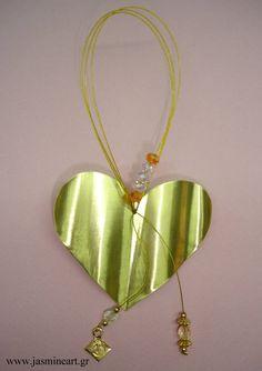 Γούρι 2013 - Καρδιά - Τιμή: 11 € http://gouria2013.blogspot.com