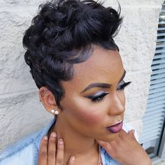 Many African American women are on the lookout for the best short natural hairstyles. Take a look at 80 of the most popular short styles for natural hair. Short Sassy Hair, Short Hair Cuts, Curly Short, Relaxed Hair, Pretty Hairstyles, Girl Hairstyles, American Hairstyles, Black Hairstyles, Curly Hair Styles