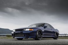 Garage Active Racing's grip ready Skyline GT-R show stopping on Black Anodized WORK Meister with polished bolts. Nissan R32, R32 Gtr, Nissan Gtr Skyline, R32 Skyline, Tuner Cars, Jdm Cars, Nissan Infiniti, Life Car, Import Cars