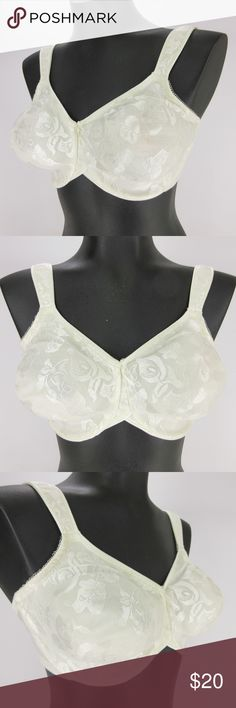 Wacoal Bra 38DD White Awareness Underwire 85567 Wacoal Bra 38DD White Breast Cancer Awareness Underwire Full Figure 85567     Full figure, full coverage     Seamless, two-ply fabric cups - hidden inner sling for natural shaping and support     Hidden underwire     Beautiful, smooth jacquard Calla lily fabric     Embroidered ribbon flag on back for breast cancer awareness     Leotard back     Comfort straps with back adjustments     All items from a smoke and pet free environment no flaws…