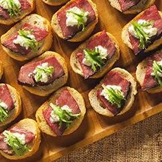 Crostini with Beef Tenderloin and Horseradish http://allrecipes.com/recipe/crostini-with-beef-tenderloin-and-horseradish/