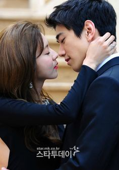 Sung Joon and UEE pucker up for High Society's poster shoot » Dramabeans » Deconstructing korean dramas and kpop culture