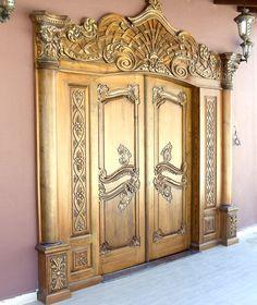 sanatsal ahşap kapı
