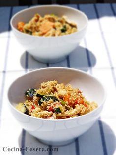 Cous-cous o cuscús con verduras y pollo. Receta marroquí http://www.cocina-casera.com/2013/07/cous-cous-o-cuscus-con-verduras-y-pollo.html Vía: @cocinacasera1