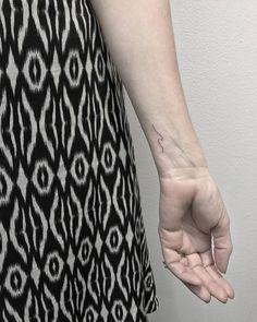 By Michelle Santana done at Sacred Tattoo Manhattan. Small Wave Tattoo, Small Nature Tattoo, Wave Tattoo Wrist, Nature Tattoos, Foot Tattoos, Small Tattoos, Wave Tattoos, Temporary Tattoo Designs, Temporary Tattoos