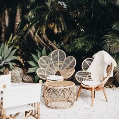 patio inspo Außenbereich Top Summer Furniture for Your Outdoor Space Tropical Backyard, Tropical Decor, Backyard Patio, Gravel Patio, Tropical Style, Diy Patio, Tropical Chairs, Tropical Interior, Tropical Vibes