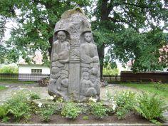 """Farkaslaka: Tamási Áron """"angyali"""" szülőfaluja - az írónak állított emlékművel. Garden Sculpture, Outdoor Decor, Beautiful"""
