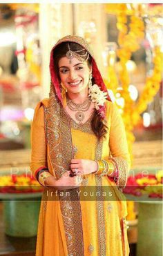 Pakistani bride on Mehndi perfect muslim wedding #PerfectMuslimWedding.com