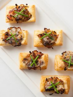 Apple, Onion & Gruyere Bites Apple, Onion & Gruyere Bites Recipe — This elegant yet simple hors d'oeuvre is sure to be a hit Thanksgiving Appetizers, Thanksgiving Recipes, Christmas Appetizers, Hors D'oeuvres, Recipe Images, Quick Recipes, Detox Recipes, Clean Eating Snacks, Finger Foods