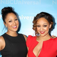 Famous Sisters - Tia and Tamera Mowry-Haisley Famous Sisters, Famous Twins, Celebrity Siblings, Celebrity Moms, Celebrity Style, Tia And Tamera Mowry, Poetic Justice Braids, My Black Is Beautiful, Beautiful Women