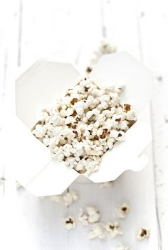 pop corn by barbaraT pane, via Flickr Pure White, Black And White, White Style, Shades Of White, White Food, Love Food, Food Photography, Pure Products, White Matter