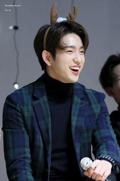 GOT7 jinyoung smile:))