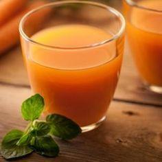 5 recettes détox 1. Cocktail jus d'orange, carotte et céleri 2. Le milk-shake poire-bleuets 3. Des bouillons détox 4. Le fameux consommé de volaille 5. Le thé détox