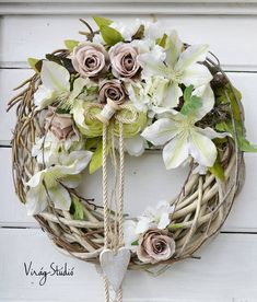 Virág Stúdió - Home Center Easter Wreaths, Fall Wreaths, Door Wreaths, Diy Wreath, Grapevine Wreath, Corona Floral, Fairy Lights Wedding, Succulent Wreath, Clay Flowers