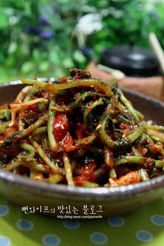 Korean Food, Kimchi, Food Plating, Japchae, Green Beans, Baking, Vegetables, Ethnic Recipes, Cook