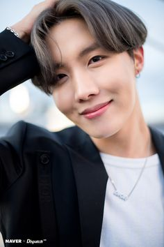 Find images and videos about kpop, bts and jungkook on We Heart It - the app to get lost in what you love. Bts J Hope, J Hope Gif, Seokjin, Kim Namjoon, Kim Taehyung, Jung So Min, Kim Min, Jimin Jungkook, Bts Bangtan Boy