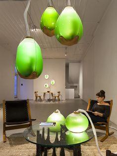 Imaginez un habitat futuriste, fonctionnant en symbiose avec le vivant, notamment des algues capables de fournir énergie et nourriture d'appoint. Cette vision d'un autre monde est expérimentée en ce moment dans un cadre artistique en Pennsylvanie.