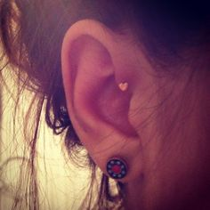 Ear piercing, heart, forward helix - i need to figure out where to get one of these