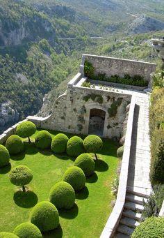 The beautiful garden of the Gourdon's castle #Castle, #Gourdon, #ItalianGarden