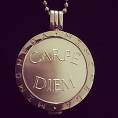 #mimoneda #jewelry #carpediem #jewel #picoftheday #pictureoftheday #photooftheday #shotoftheday #lovely #chain #coin - @gulerimmm- #webstagram