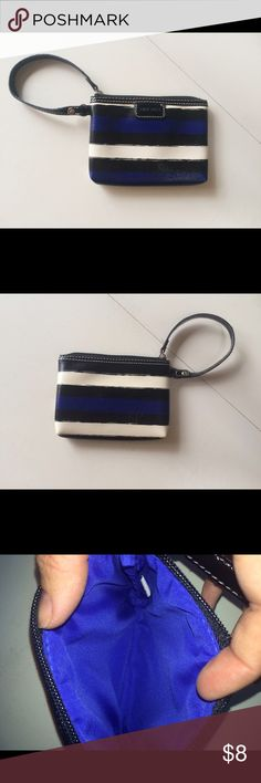 """Nine West clutch pouch zip blue striped This is a wristlet by Nine West. It has blue cream and black painterly type stripes. It is small and perfect for events or use as a wallet. 6 1/4"""" x 4 3/4"""" Nine West Bags Clutches & Wristlets"""