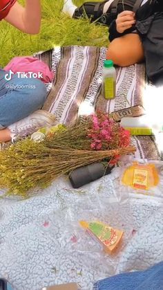 picnic picnic vibes aesthetic picnic picninc date teenage dream vibes aesthetic video indie vibes teenage dream skater girl dream day adventure tiktok aesthetic Aesthetic Indie, Aesthetic Videos, Aesthetic Photo, Aesthetic Girl, Teenage Dream, Girls Dream, Picnic Date Outfits, Instagram Cool, Indie Photography