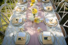 La Tavola Fine Linen Rental: Rico Yellow with Dupionique Iridescence Blush Table Runner | Photography: Dianne Jones Photography, Event Design & Styling: Stacey & Company