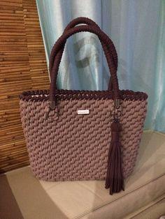 Resultado de imagen para macrame purses and bags Diy Crochet Bag, Stitch Crochet, Knit Crochet, Crochet Handbags, Crochet Purses, Macrame Purse, Yarn Bag, Diy Tote Bag, String Bag