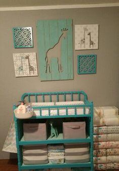 Diaper changing station. Baby Shower Giraffe, Giraffe Nursery, Baby Nursery Decor, Nursery Themes, Nursery Art, Nursery Ideas, Giraffe Crafts, Foster Baby, Diaper Changing Station