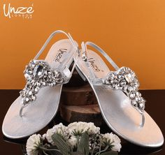 Women Casual Slippers shoes in Pakistan typically enhance the glamour of outfit whether it's for men or girls. Unze London offers footwear that is that the most thrilling and cited at intervals the whole worldwide for his or her state and splendor. Online Shopping Shoes, Pakistan, Slippers, Footwear, Glamour, London, Casual, Girls, Outfits