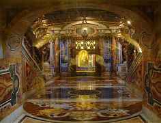 Grabkammer von Petrus im Petersdom / Rom, Italien