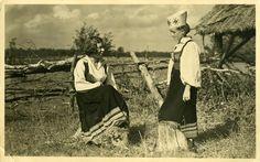 Eesti muuseumide veebivärav - Saaremaa rahvariided, Püha tüdrukud